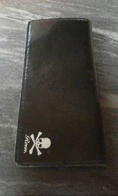 ロエン スカル柄黒革製 長財布 メンズ向き
