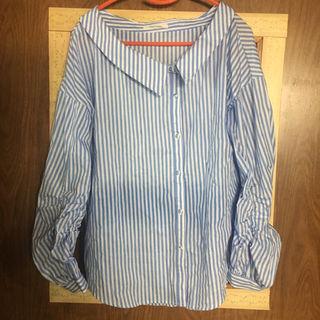 REDYAZEL 2wayワンショルダーボリューム袖シャツ