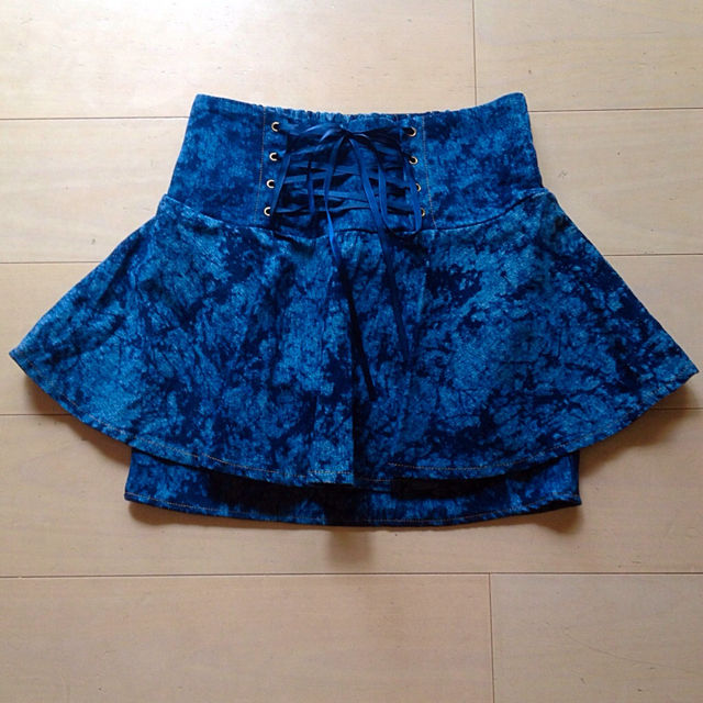 新品編みあげスカート
