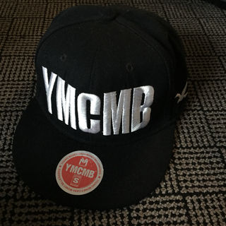 YMCMB 黒 キャップ