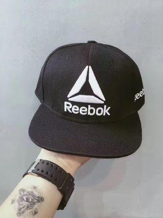 Reebok人気キャップ 2点セット 海外限定バージョン