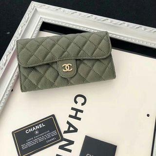 【人気新商品】高品質な国内発売長財布