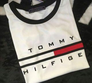 タグ付き!トミー tommy 腹出しTシャツ