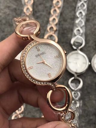 値下げ中 可愛デザイン 素敵な時計5色有り 国内発送