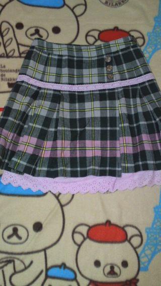 BETTY'S BLUEチェック柄スカート畳み皺アリ