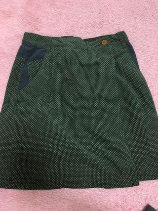 緑ドット柄スカート