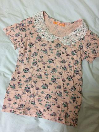 襟付き花柄Tシャツ