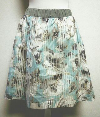 BABYLONE  花柄フレアスカート