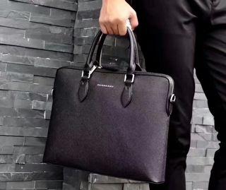 【早い者勝ち】BURBERRY 高質新品! 素敵なバッグ