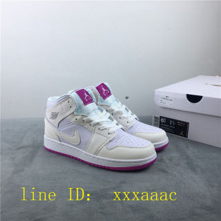 国内発送Nike大人気新作スニーカー