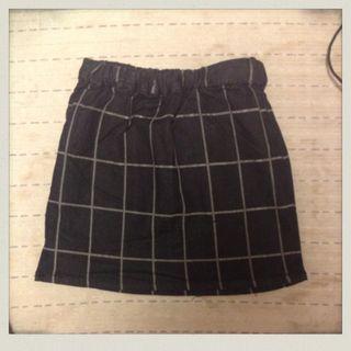 lazlenaのタイトスカートです!
