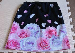 ダチュラ バラ柄スカート