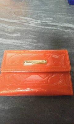サマンサタバサ赤ハート柄カードケース