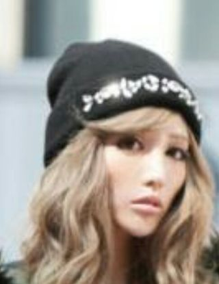 Rady 8千円以上購入cap着画は黒、販売人気のホワイト!