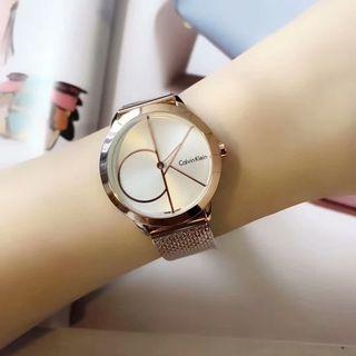 人気新品 Calvin Klein  シャレな腕時計