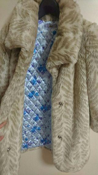 梨花さん着用ファーコート