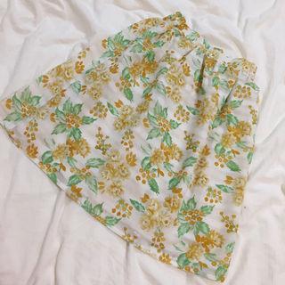 ikka花柄スカート