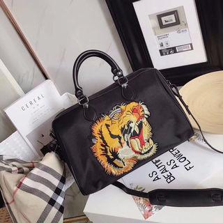 ショルダーバッグ 虎/タイガー刺繍 大容量