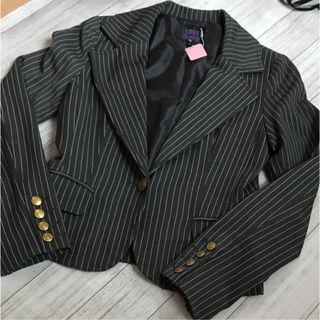 ストライプジャケットスーツ