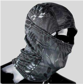 ただの目出し帽じゃない! 3Way フェイスマスク 迷彩