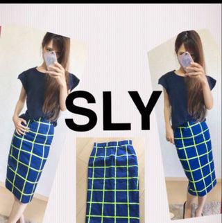 SLY ペンシルスカート