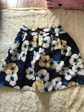 スプレイ アート花柄フレアミニスカート ネイビー