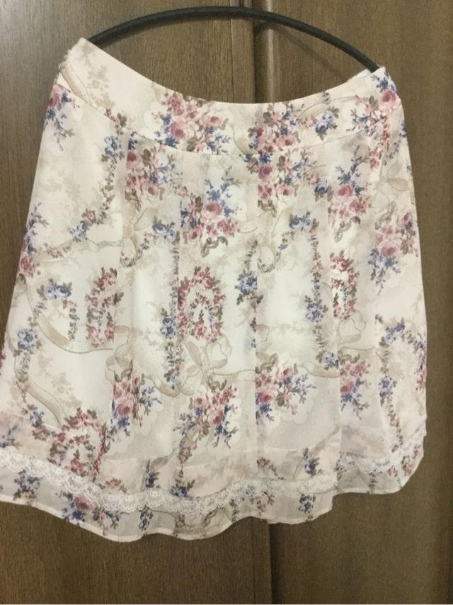 ピンク花柄スカート