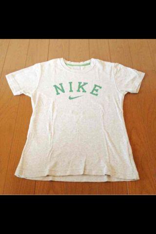 NIKETシャツ