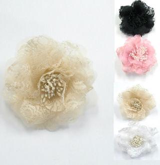 【花柄コサージュ】胸元を清楚でおしゃれに 服装を引き立てる