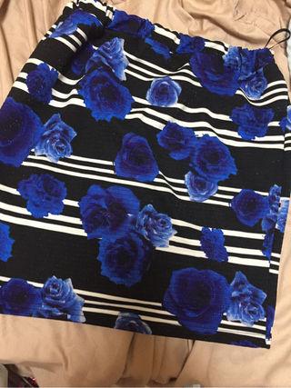 薔薇柄ボーダータイトスカート