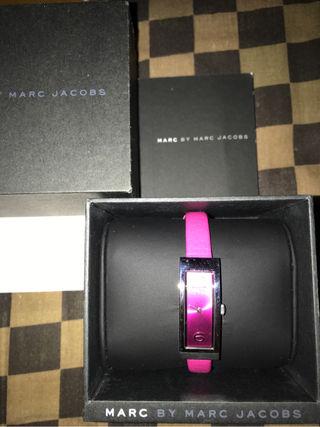 ピンク 腕時計