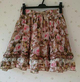 axesふんわりバラ柄スカート