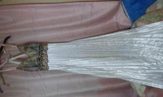 白×金×銀ドレス