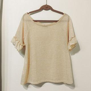 クリスプフリルTシャツ