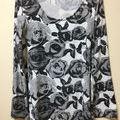 黒にグレーの薔薇刺繍、RIPSERVICE