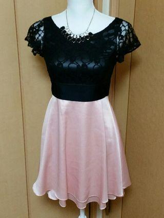 ピンク×レースミニドレス