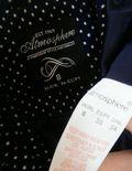 紺のドット柄コート