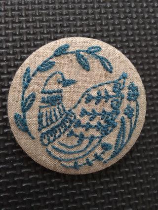 【新品未使用】グラニフ 刺繍缶バッジ 可愛い鳥さん