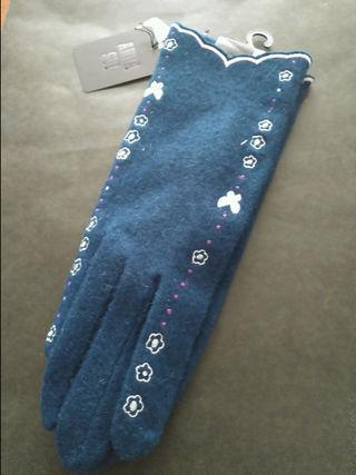 ANNA SUIキラッと蝶々とお花の刺繍手袋