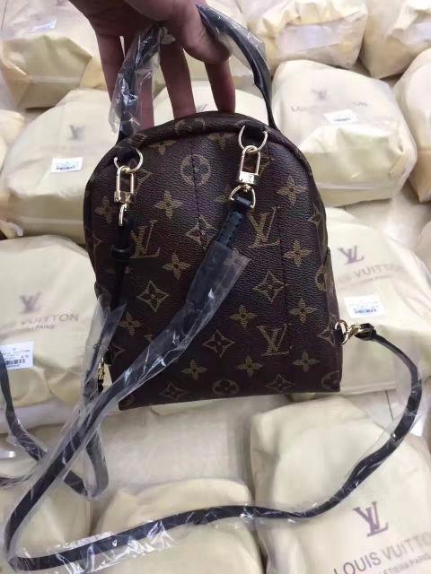人気ブランド ミニ リュックバッグ 可愛い美品