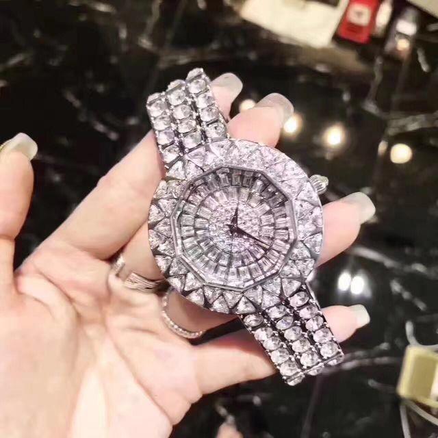 【早い者勝ち】超人気腕時計 フルダイヤモンド(その他 ) - フリマアプリ&サイトShoppies[ショッピーズ]