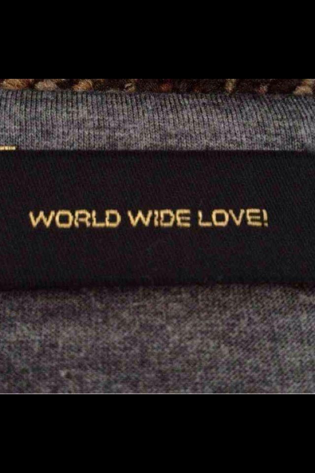 WORLD WIDE LOVE! デザインカットソー