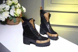高品質ブーツ。国内発送
