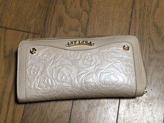 リズリサ 長財布