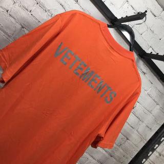VETEMENTS Tシャツ