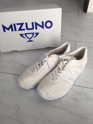 試し履きのみ MIZUNO MOLE Mライン スニーカー