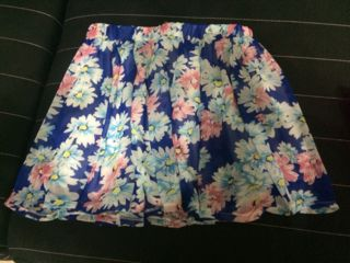 momo  花柄スカート