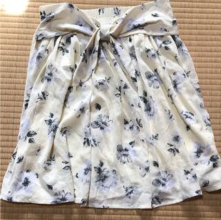 ナイスクラップ花柄クリームイエロースカート腰リボン