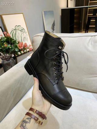 今季新作 美品。ブーツ