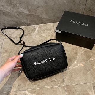 バレンシアガ鞄ショルダーバッグ 斜め掛け